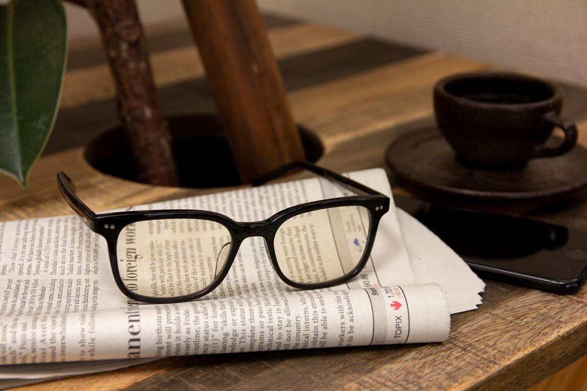 経年劣化を起こさないブルーライトカットレンズ(紫外線カット)のお洒落なセルロイド製「老眼鏡」(MONOCOオリジナル企画)|LAUGHWRINKLES