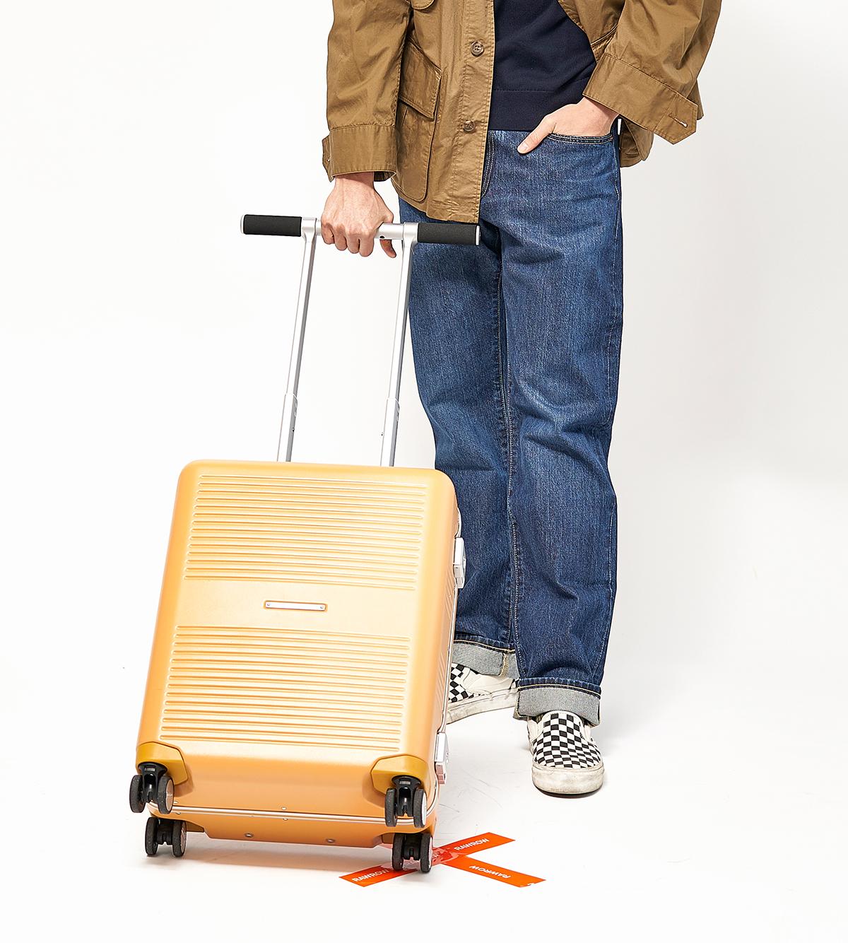 国内旅行、海外旅行、ビジネス、留学、出張、長期滞在に。気の利く設計であなたの旅路に寄り添うスーツケース(37L・1〜2泊・機内持ち込みサイズ)|RAWROW