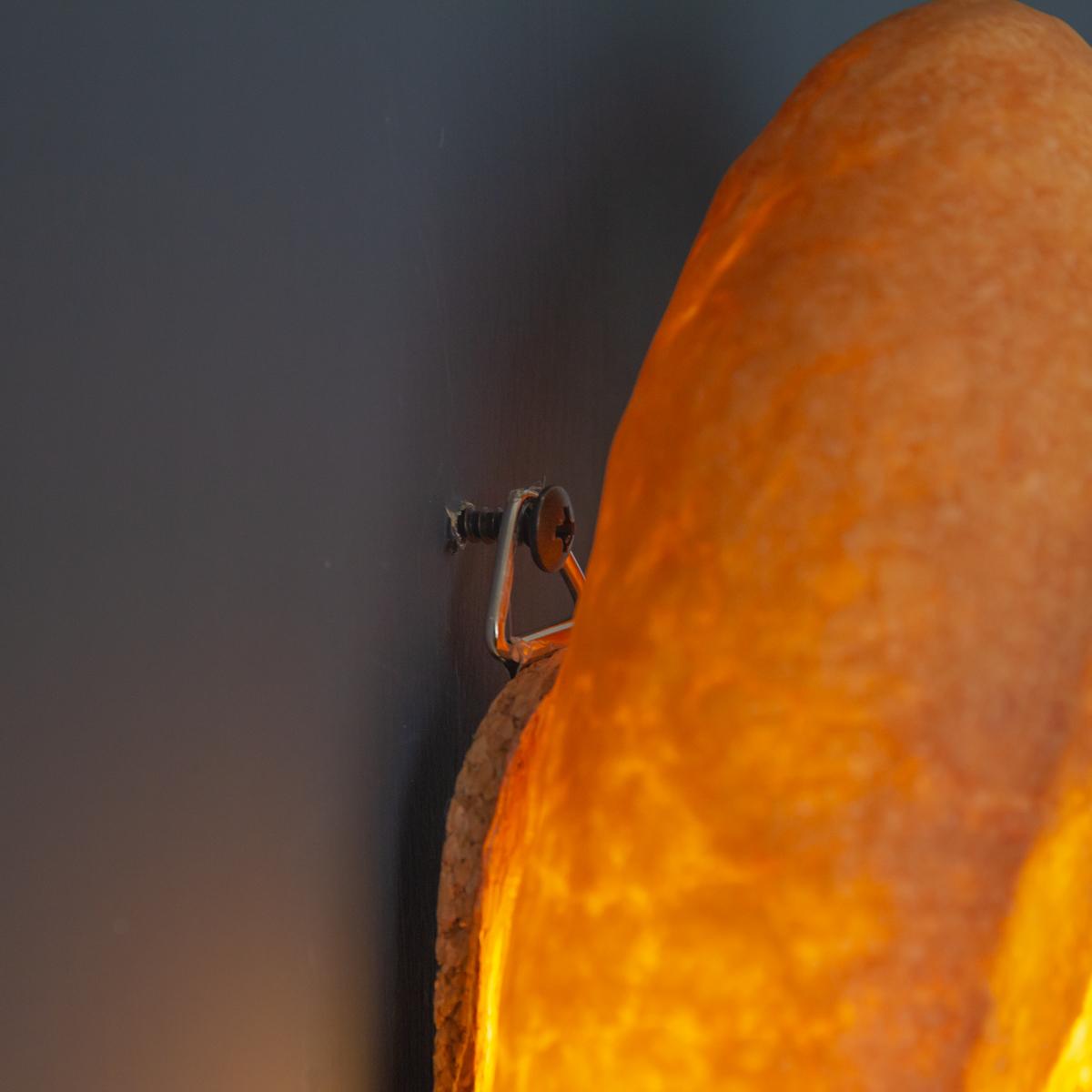 すぐに明かりを点けたい時にとても便利。置くだけで明かりのオンオフができる「ライト・ランプ・間接照明」|モリタ製パン所「パンプシェード」