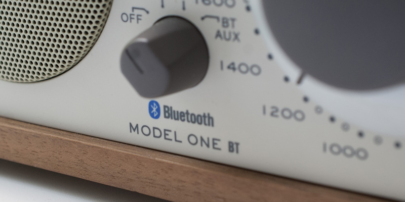 Bluetooth対応のデバイスから音楽をストリーミング再生できるアナログラジオ(スピーカー)|Tivoli Audio