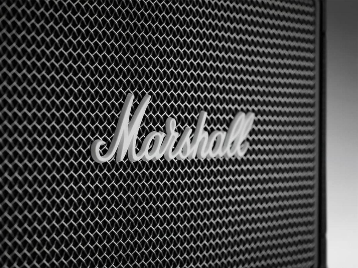 スピーカーの前面を覆う丈夫な「スチール製グリル」。ワイヤレススピーカー|Marshall Kilburn Ⅱ
