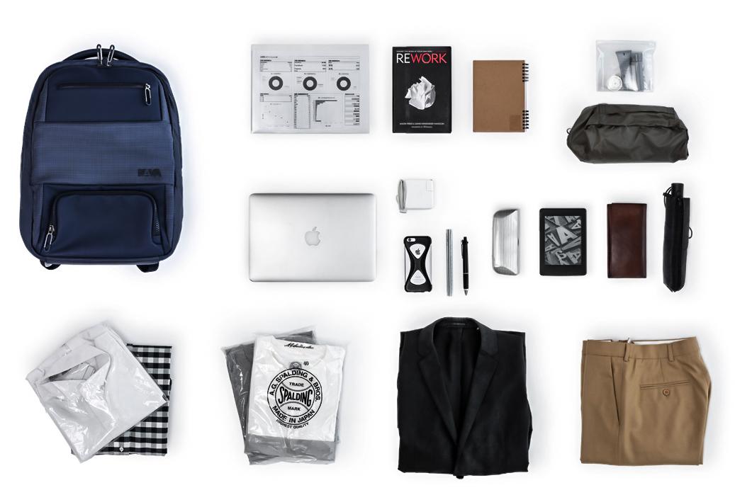 大容量の荷物をフルフラット収納でスッキリと。荷造りを簡単にする「サイズ別・12のポケット」を持つバックパック|NAVA