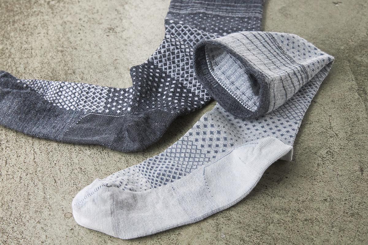 スニーカーやパンプスにも合う。夏は涼しく冬は暖かいメリノウールを使用した、血液やリンパの流れをサポートする着圧ソックス(健康ソックス・靴下)|Sockwell(ソックウェル)