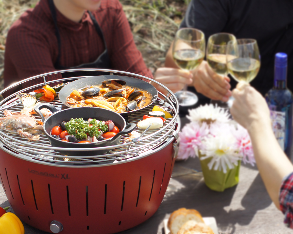テーブルの上で楽しめるから家で使える 煙が少ない炭火ロースター|Lotus Grill
