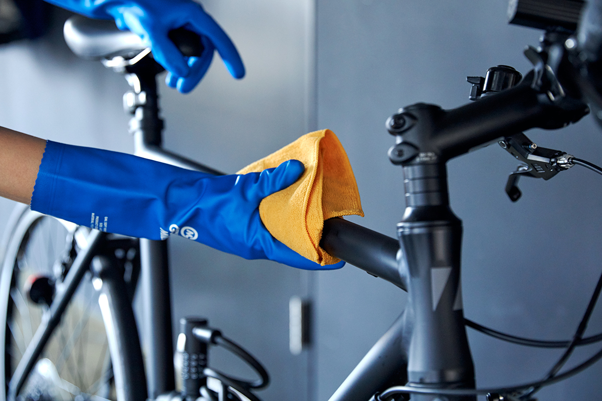 自動車整備士たちが、洗車やガレージの整理に使ってきた、車用品のオートバックスから生まれたプロ仕様。スタイリッシュでオシャレな気分が上がる掃除道具。カー用品のオートバックスから生まれた『GORDON MILLER』(ゴードンミラー)