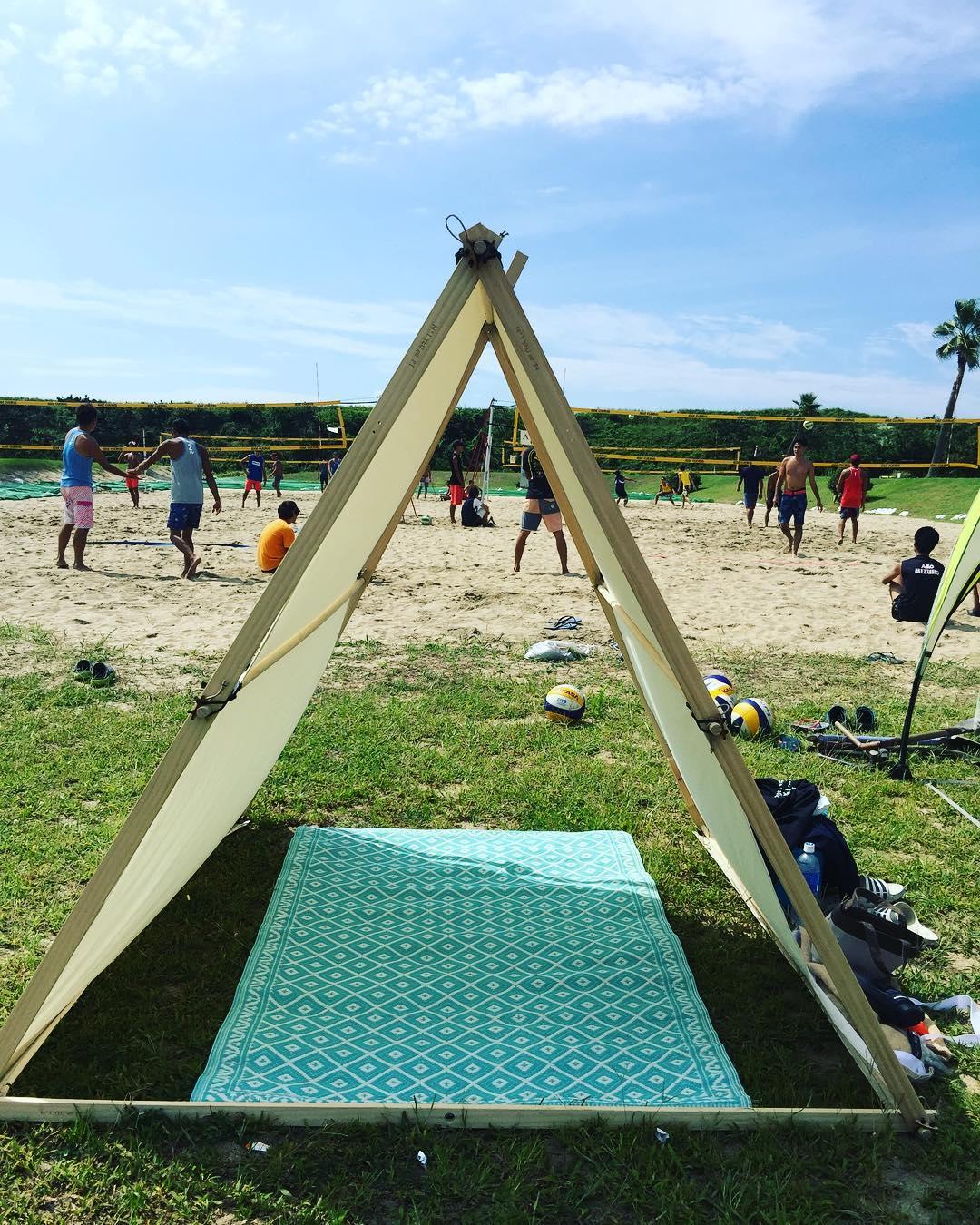 家の庭や近くの公園でも、フランス流バカンス気分を味わうことができる「帆布テント」|LA TENTE ISLAISE(ラ・タント・イレーズ)
