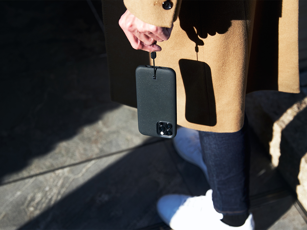 デバイスを守る断熱プレート「THERMOLINE™」を備え、あなたのiPhoneだけではなく、大切なバッテリーも保護してくれるスマホケース・カバー|LANDER MOAB CASE(ランダー)