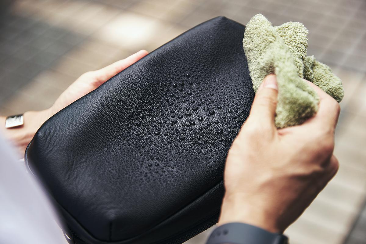 お手入れいらずの防水・撥水レザー 防水レザー、超軽量、直感ポケット付きの日本製レザーバッグ PCバッグ・トートバッグ・リュック・バックパック FARO(ファーロ)