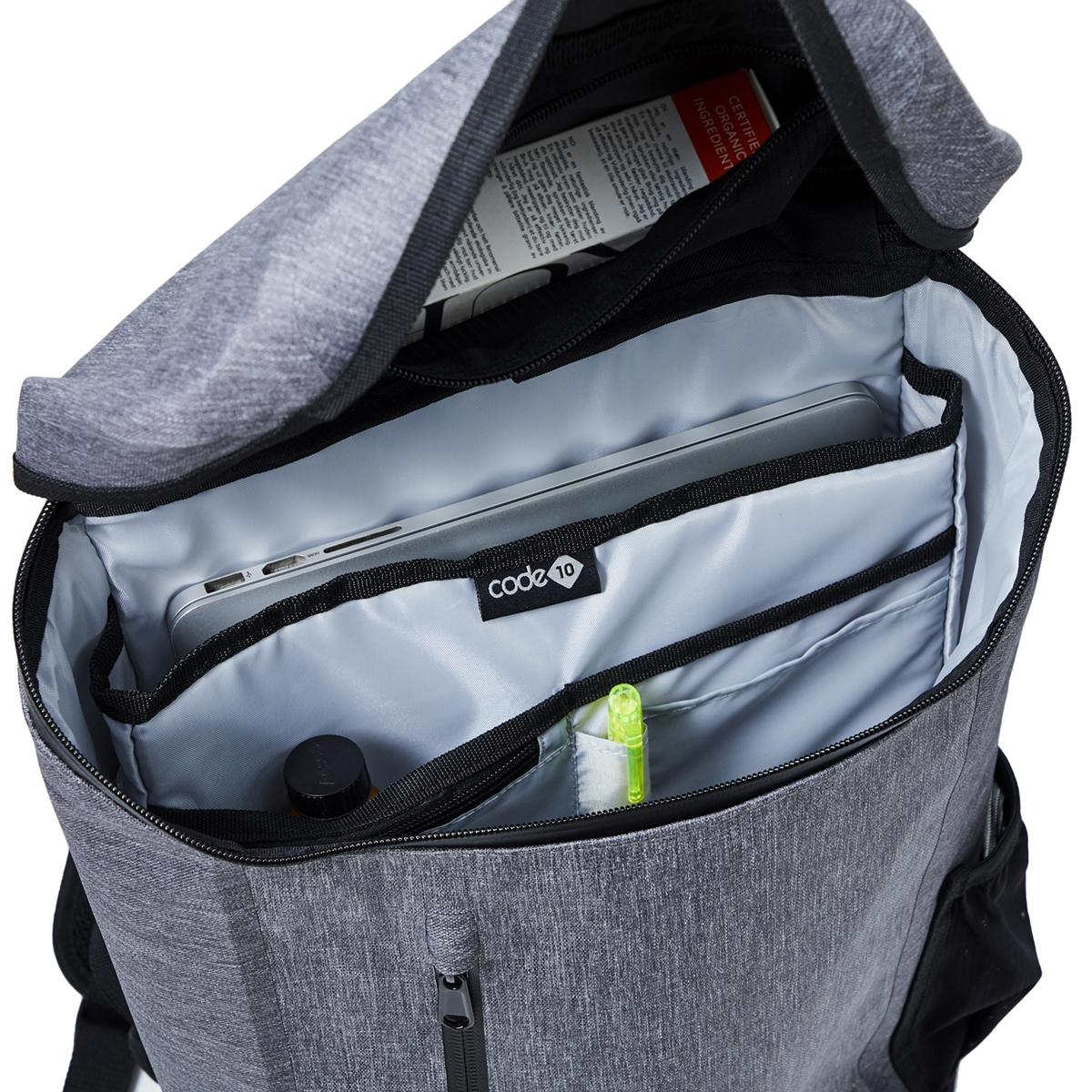 8つの内ポケットを完備したハイテク収納の都会的なバックパック《DAYPACK》|Code 10(コードテン)