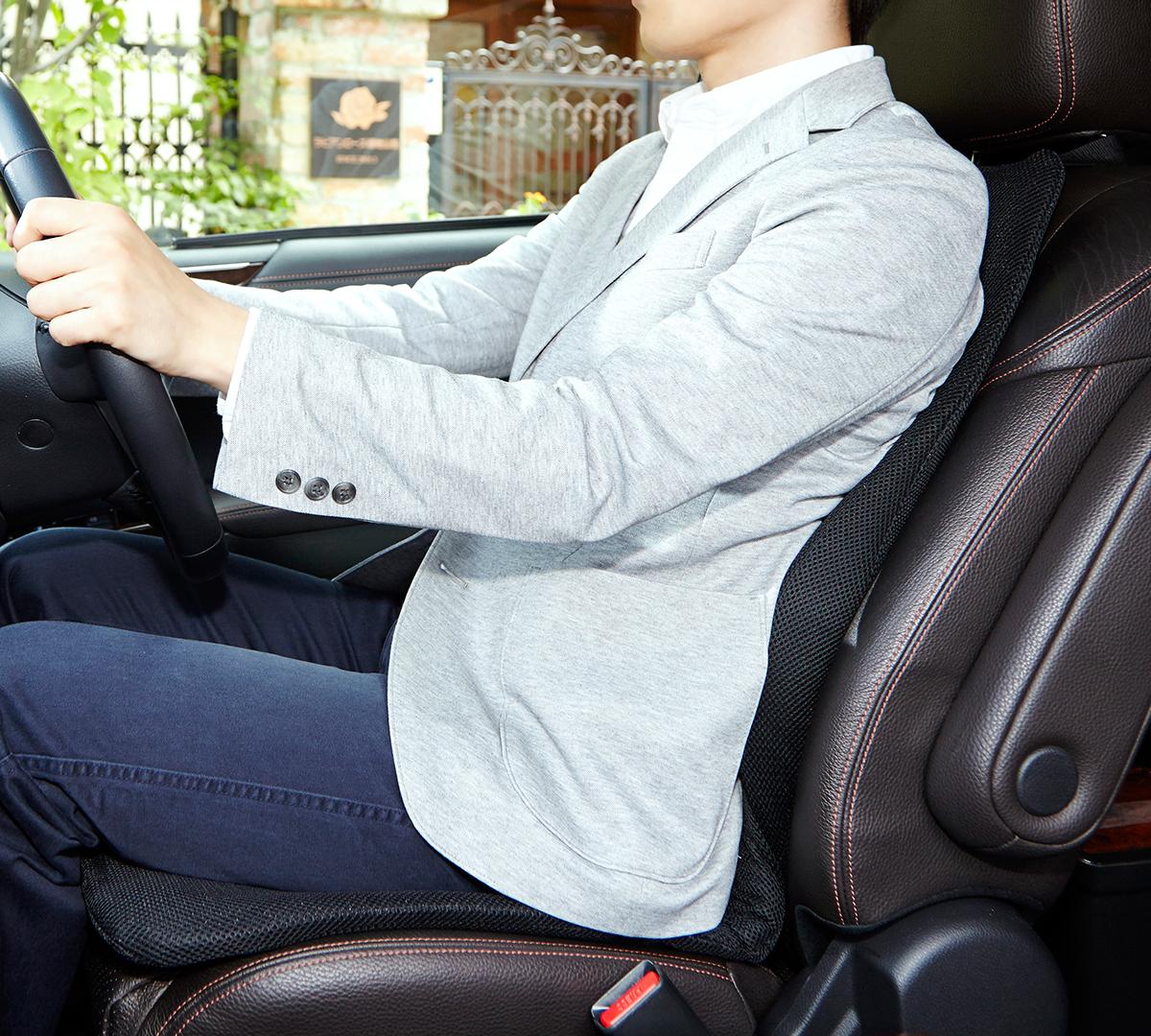 腰やお尻の痛みを気にせず、運転できる。置くだけで、運転中ずっと、腰・背中・お尻がラクな車用シートクッション|P!nto Driver