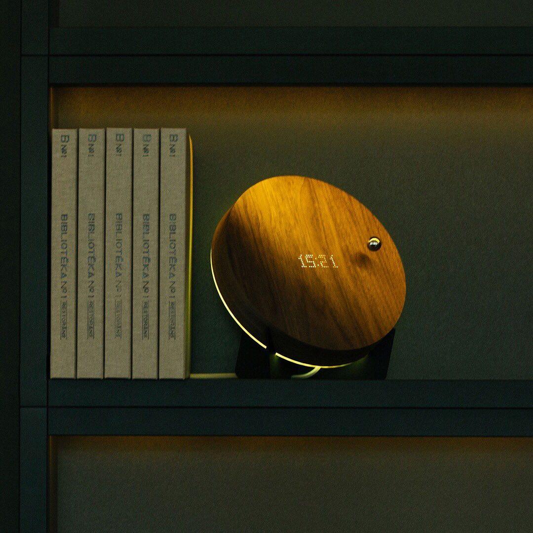 磁力で宙に浮く電球『FLYTE』、植物プランター『LYFE』を開発したサイモン・モリス氏の発明。その浮遊技術を応用した時計|Flyte STORY