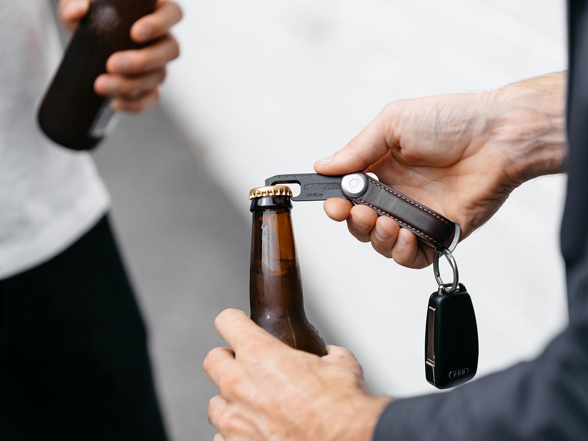ボトルオープナー(栓抜き)。一つで9役こなす多機能マルチツール Orbitkey(オービットキー)