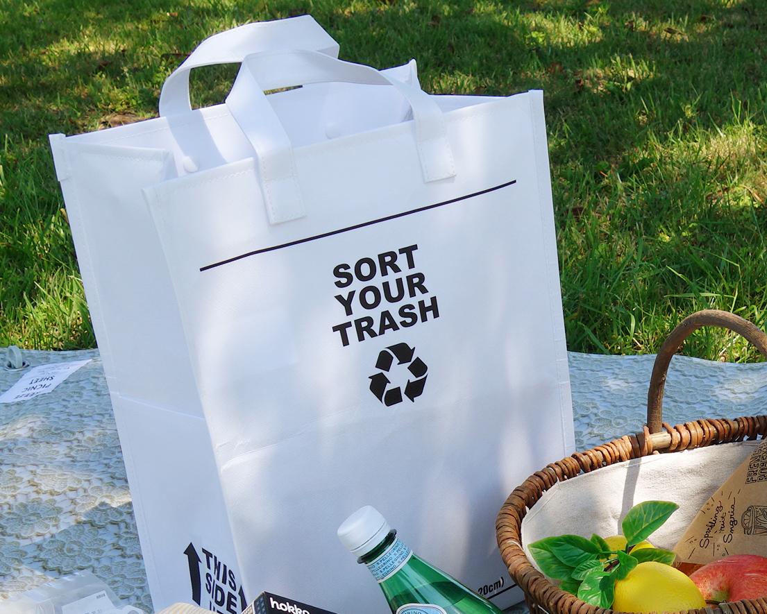 大容量なのにかさばらない シンプルで使い勝手のよいアウトドア用のおしゃれなゴミ袋・ゴミバッグ|ROO Garbage(SORT)