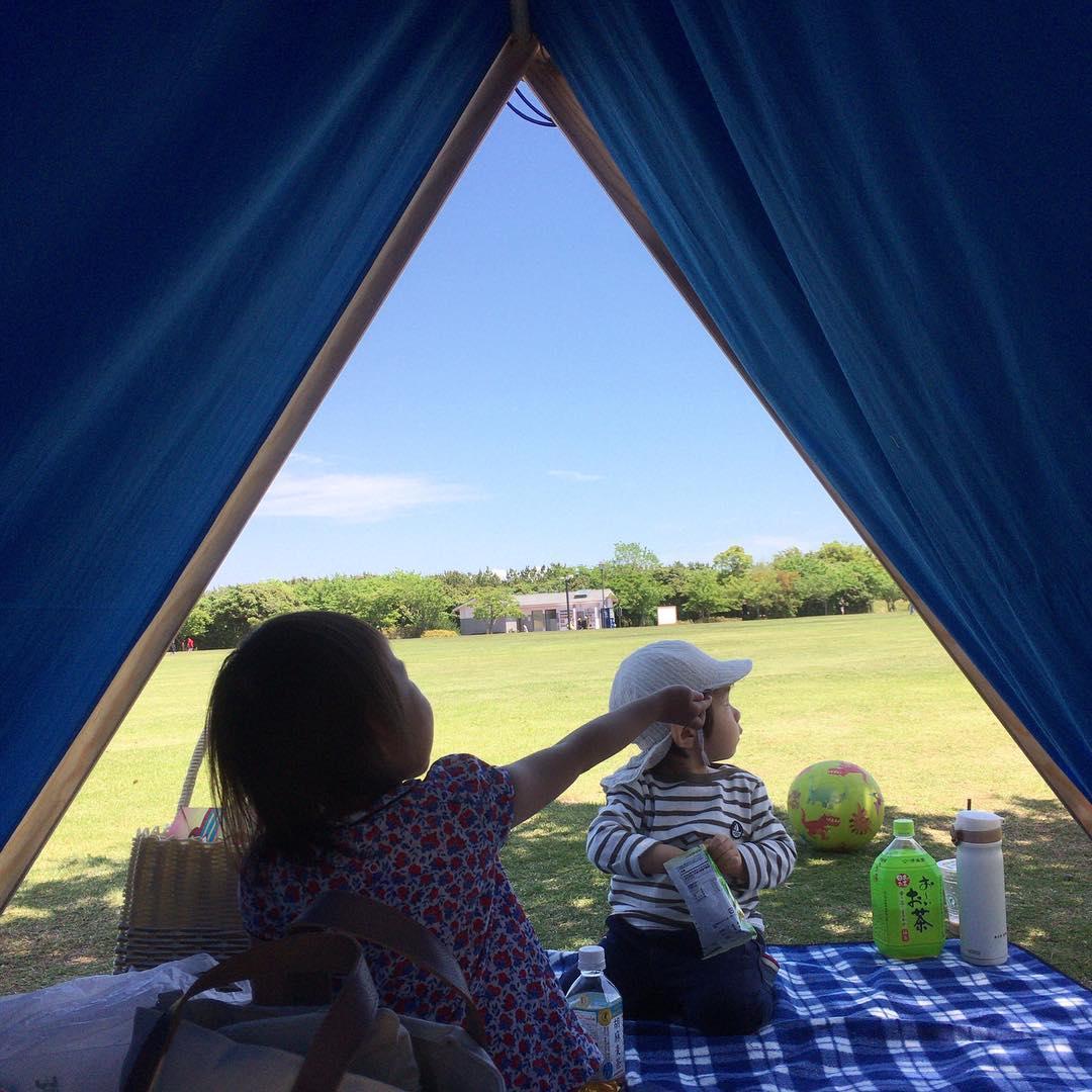 家の庭や近所の公園で、ゆったり上質な時間を。大人も子どももワクワクする、秘密基地のような「帆布テント」|LA TENTE ISLAISE(ラ・タント・イレーズ)