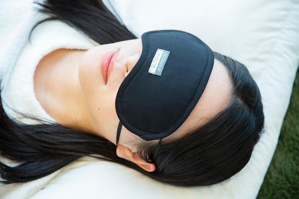 あなたの睡眠の質をグッと変えてくれる。働きすぎの目は温めてホンワカ幸せ。一晩中着けてもラクなシルクアイマスク| IONDOCTOR