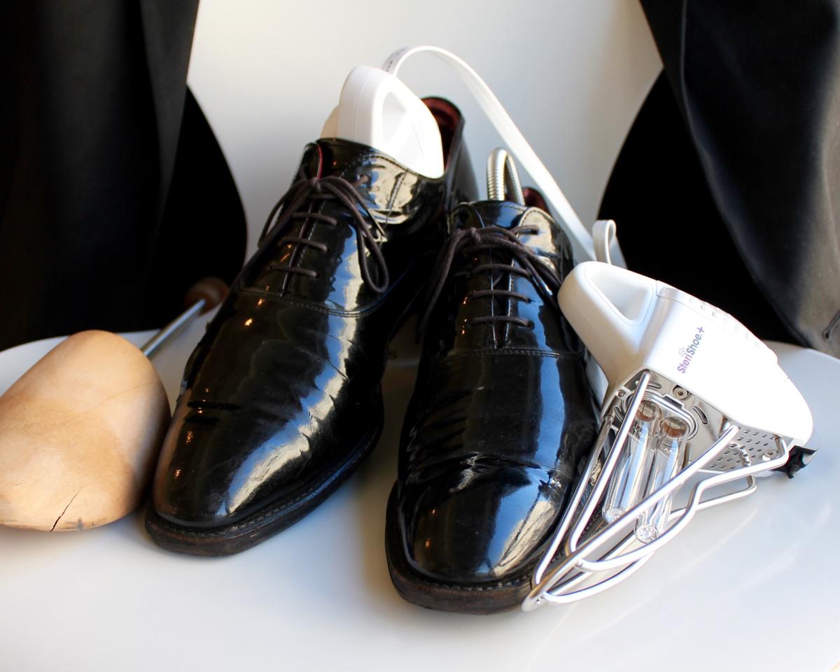洗えないはずの革靴が洗える、靴乾燥機