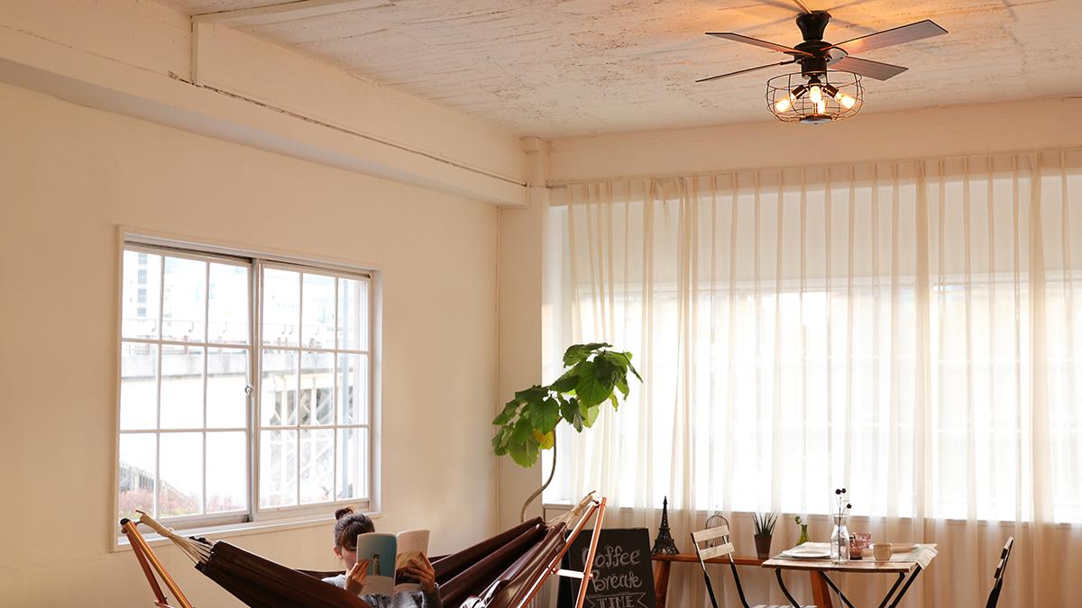 家族みんなが、体も心も気持ちよく過ごせる。室温ムラを解消して、風通しがいい家をつくるシーリングファン