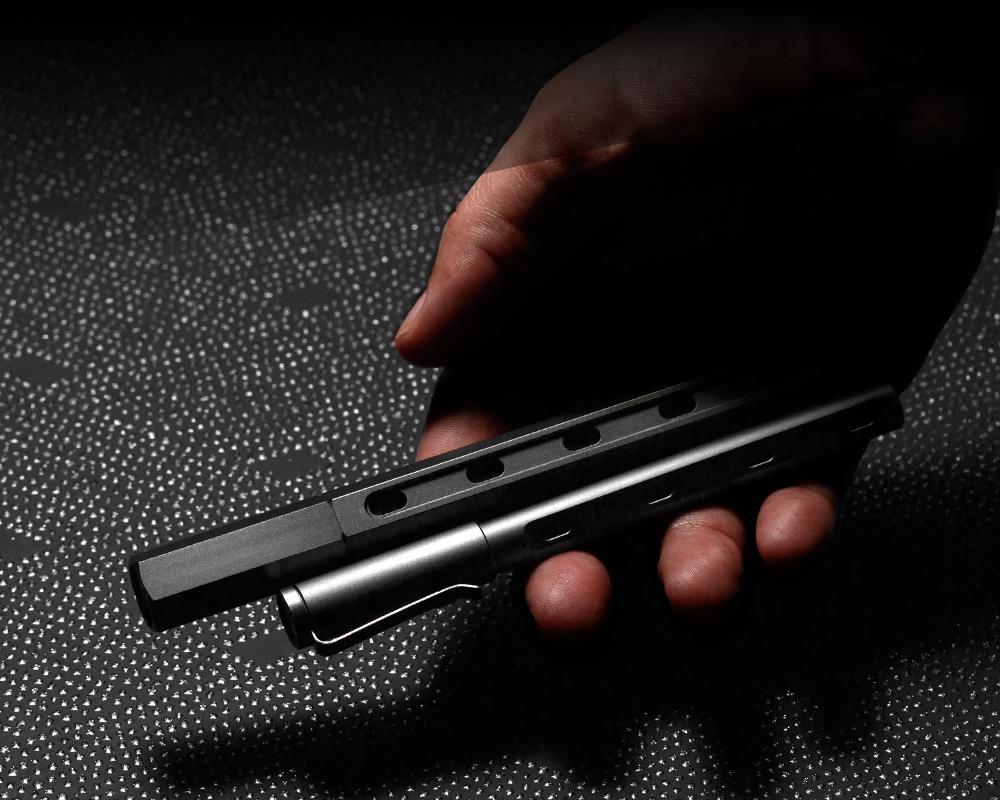 傷がつきにくく美しいロケット鉛筆のように先端ビットを交換できる工具|mininch