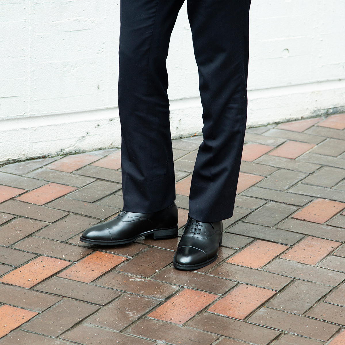 雨に強く、晴れてもスマートな足元。まるでストレートチップの革靴のような気品漂う「レインシューズ」|三陽山長