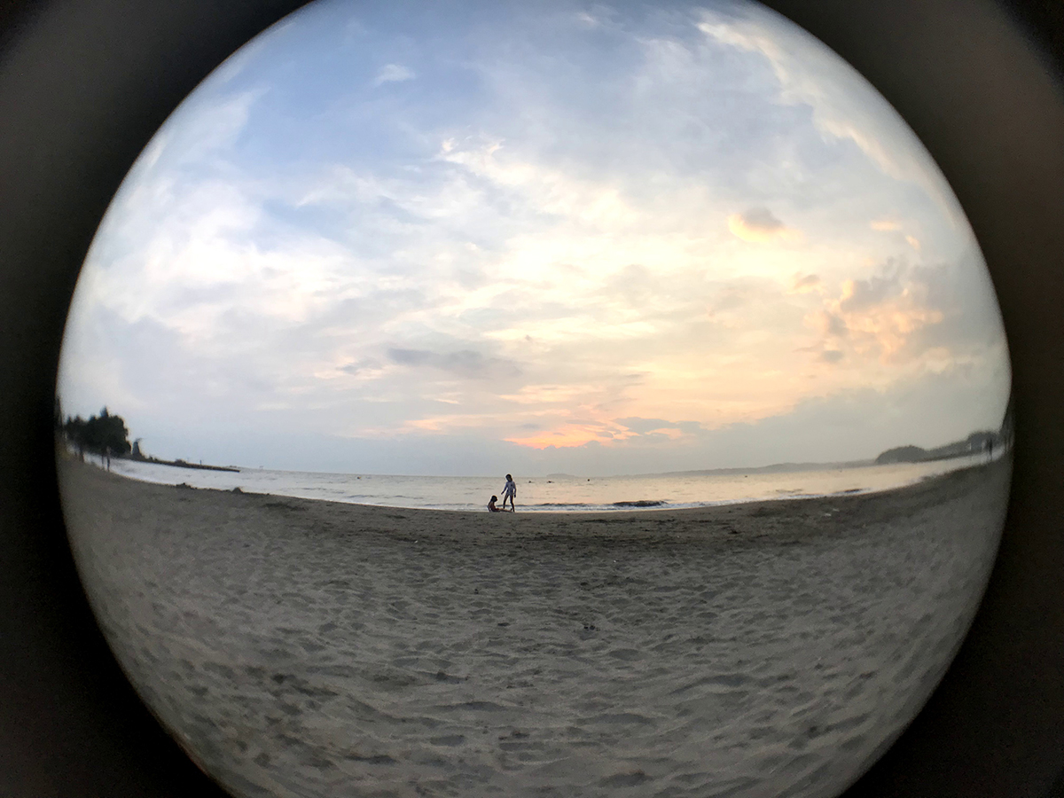 いつも見ている景色が幻想的に、アート作品のように切り取ることができる「円周魚眼レンズ」 | ShiftCam 2.0