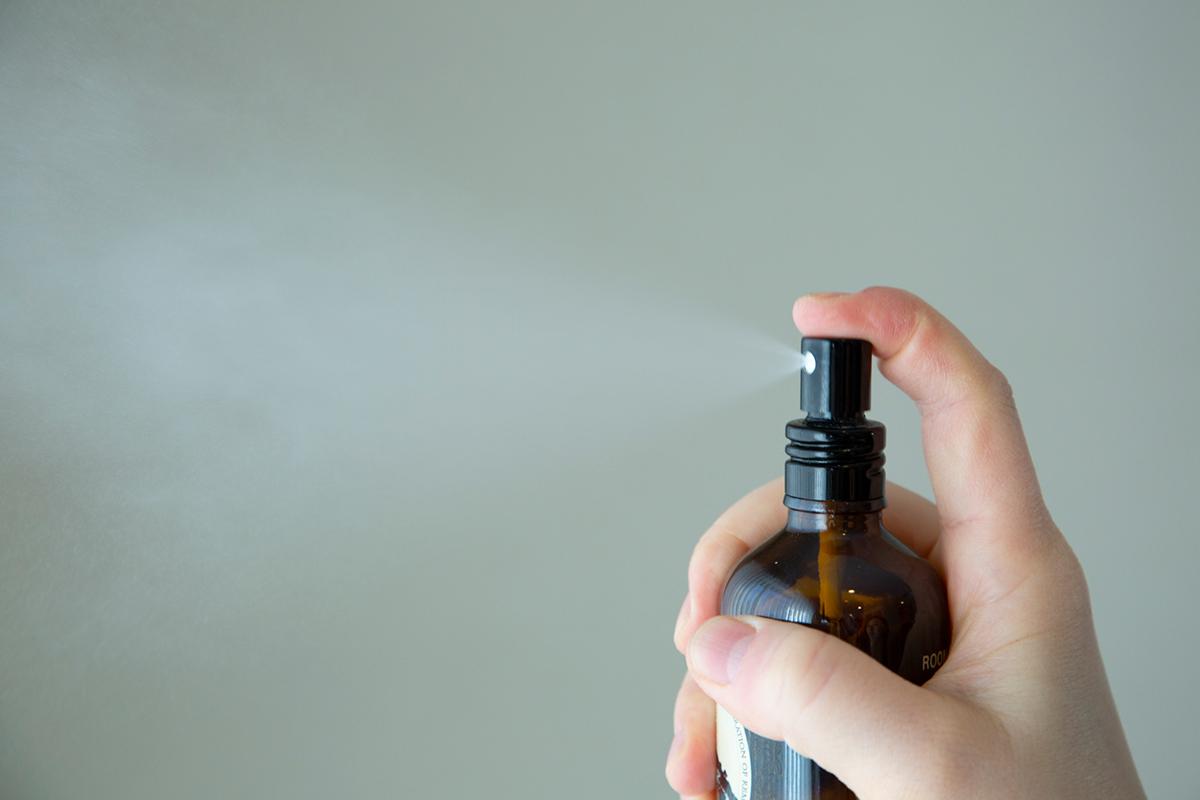 複数の香りを重ねて楽しめる。香り同士が喧嘩したり不快に混ざり合ったりせず、きれいにまとまり、奥行きが生まれるルームスプレー・ルームパフューム|タイ王室御用達のアロマブランド『KARMAKAMET(カルマカメット)』