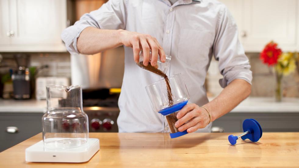簡単で使いやすいスロードリップ式のコールドブリューコーヒー(水出しコーヒー)