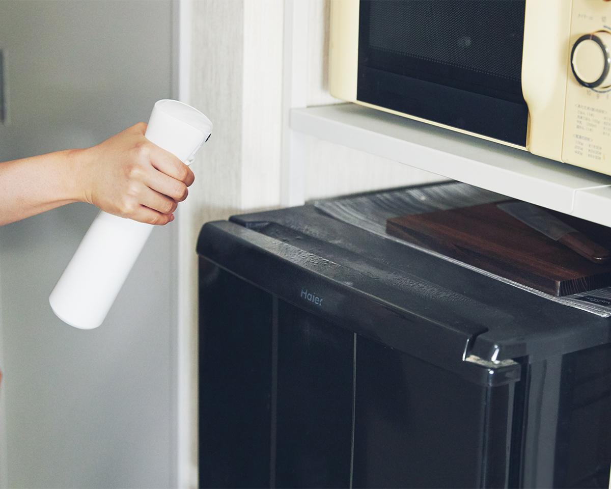 掃除したてのきれいさがずっと続く。しつこい汚れやホコリがつきにくくなるから、あなたの家の掃除が、グッとラクになる。プロ級の抗菌コート!強い酸化力で、菌・カビ・匂いを分解する「マイクロミストスプレー」|CELSION(セルシオン)