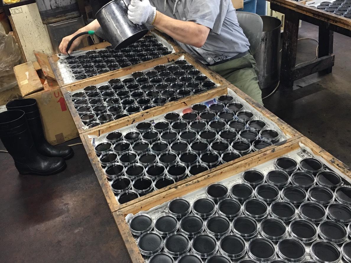 老舗シューケアメーカー谷口化学工業所との共同開発によって生まれた、プレミアム靴クリーム| 三陽山長