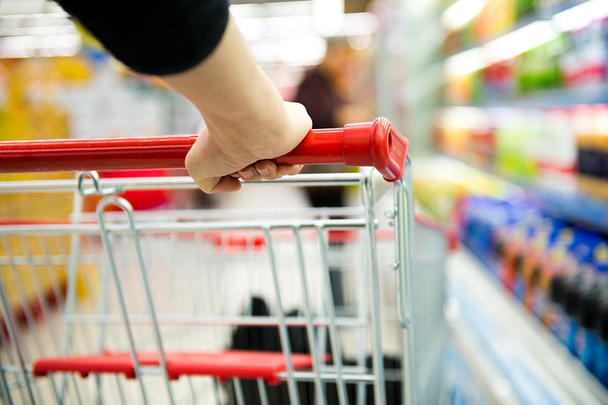 スーパーマーケットのカゴ&カート持ち手に|添加物無し、無添加の蒸発しにくいスプレー缶ボトルの携帯用「高濃度アルコール除菌スプレー」|クリニア75