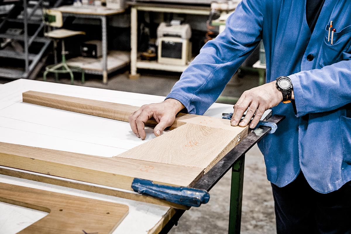 ボディ本体も、音響パーツと同じ、フランス・バスク地方のウスタリッツにある、『La Boite Concept』の工房で作られる。美しい家具のような高級スピーカー・オーディオ家具|La Boite Concept CUBE(ラ ボアット コンセプト キューブ)