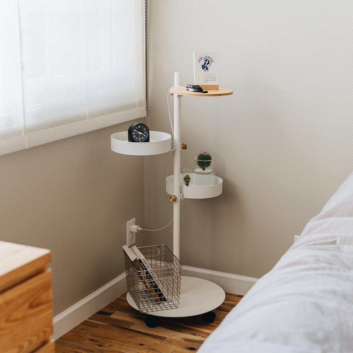 シンプルで便利な収納システム。寝室に書斎やワークスペース、キッチンに。キャスター台つきポール「Move Rod(ムーブロッド)」|DRAW A LINE(ドローアライン)