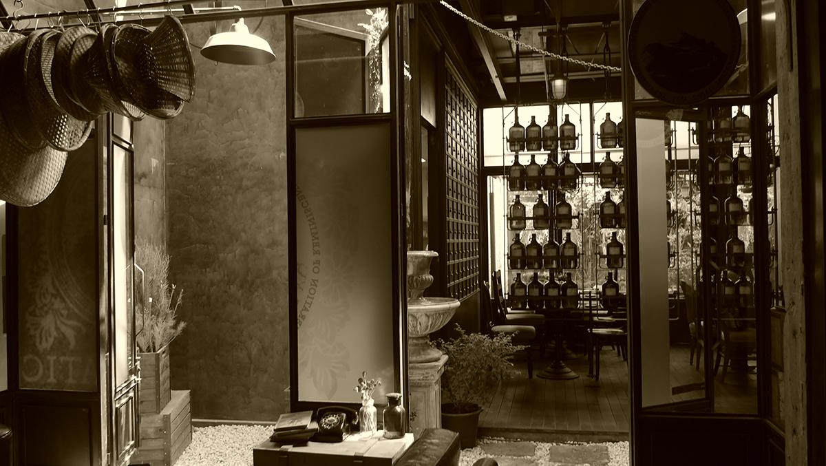 ブランドが『KARMAKAMET』への招待状と表現。すべての実店舗内で焚かれる香りのする「ジョイ」。ルームスプレー・ルームパフューム|タイ王室御用達のアロマブランド『KARMAKAMET(カルマカメット)』