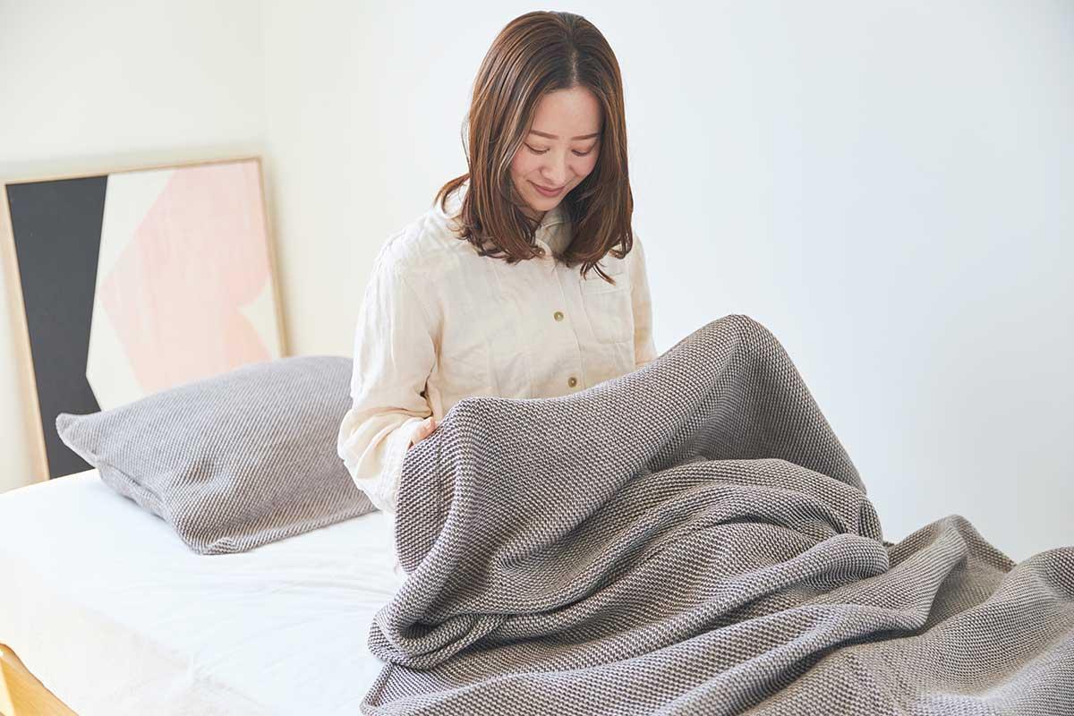 MONOCOで売れに売れている究極のタオルケット。「熟睡」を追求した凹凸状のハニカム織りのハニカムケット(ワッフルケット)
