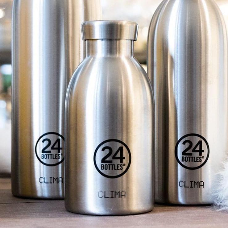 ボトル本体は、真空層を挟んだ、二層ステンレス製だから、コーヒーや紅茶は温かいまま、水やスポーツドリンクは冷たいまま、おいしい温度をキープできます。「マイボトル・タンブラー・水筒」|24Bottles(トゥエンティーフォーボトルズ)』