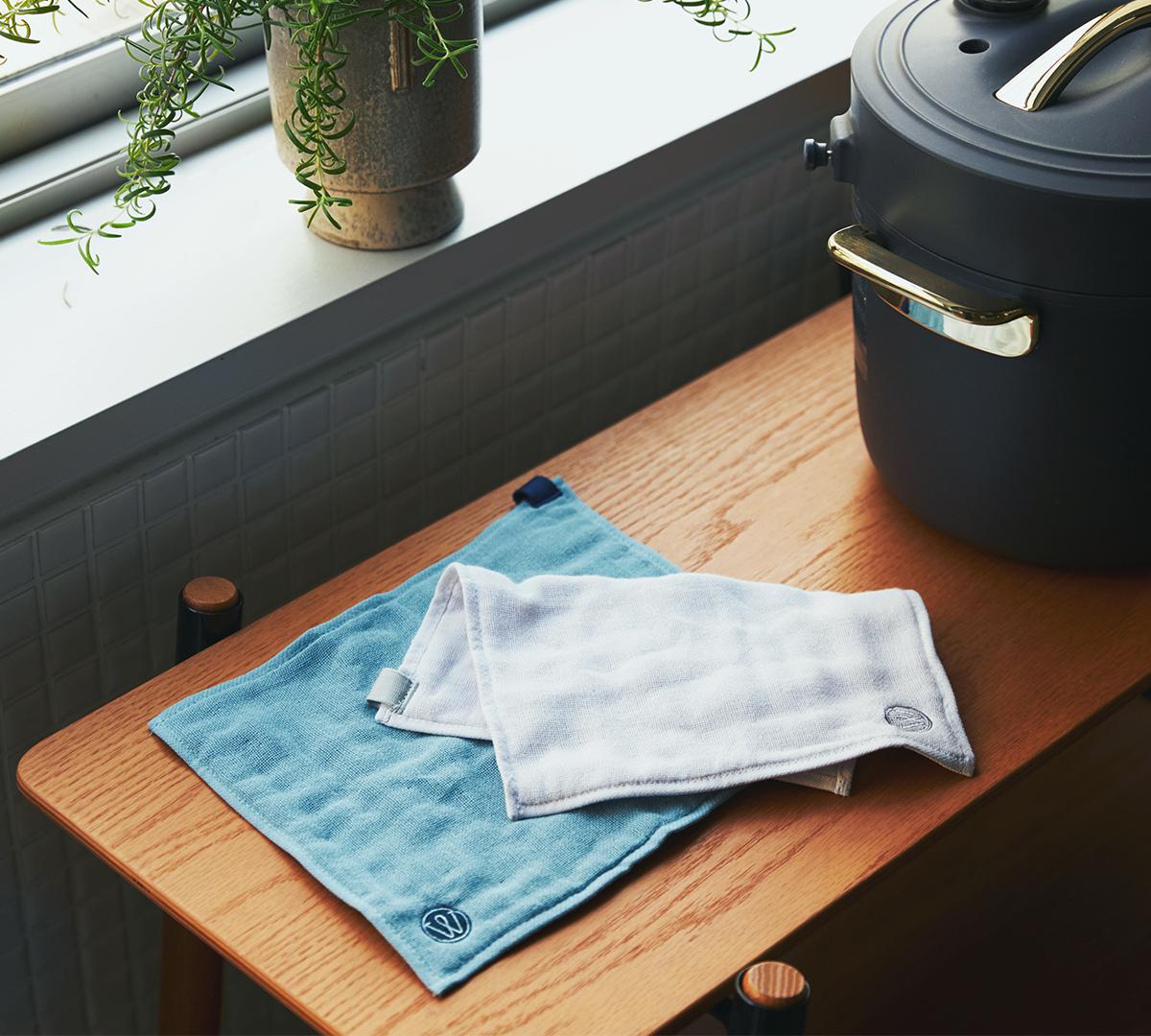 医師のアイデアと、タオルの老舗の技術から生まれたキッチンワイプ(台所ふきん)|酸化チタンと銀の作用で、生乾き臭・汗臭の菌を除去する「タオル」|WARP