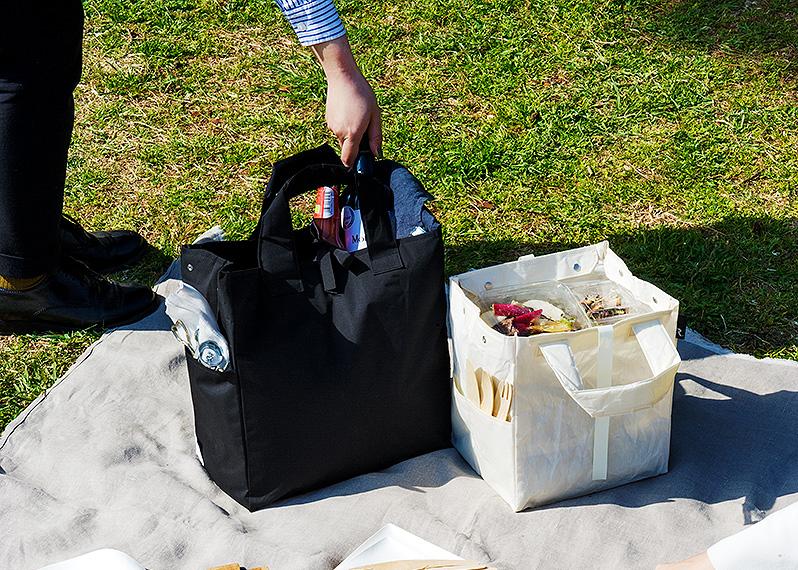 惣菜を重ねたり、ワインボトルを入れても安心 アウトドア用のアウトドア用のおしゃれなゴミ袋・ゴミバッグ|ROO Garbage
