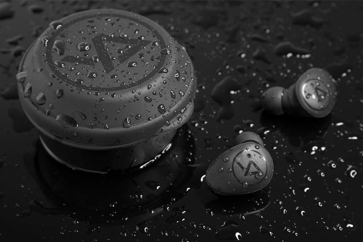 IPX5の防水設計の高機能・高音質の低価格のワイヤレスイヤホン