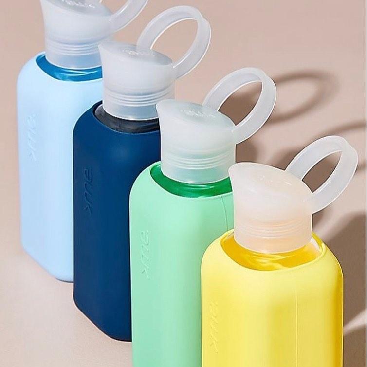 スイス・アルプス発の洗練デザイン。ホットもOK!口当りのよい手づくりガラス製マイボトル|Squireme(スクエアミー)