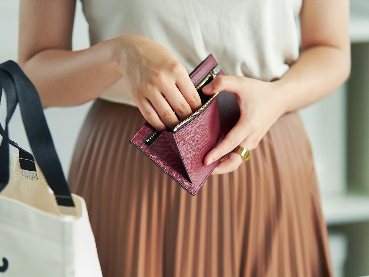 細やかな気遣いが細部にわたる。無理なくミニマムを極めた、「薄い財布」の傑作(長財布、二つ折り財布、パスケース、カードホルダー) ALBERTE