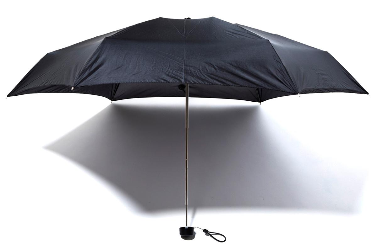 しっかりと雨や紫外線をカバーしてくれるサイズ感。世界最小級折りたたみ傘「マイクロ傘」|スギタ
