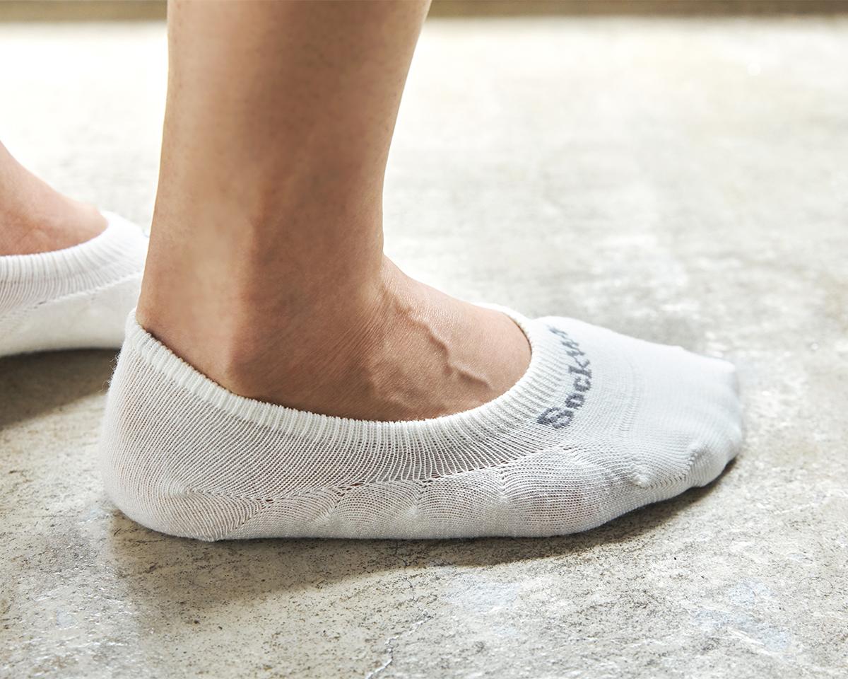 立体編みと履き口の深さで、脱げにくさをデザイン|天然のエアコンと言われるメリノウールを使用。脱げにくく、ムレ知らずのフットカバー|Sockwell(ソックウェル)