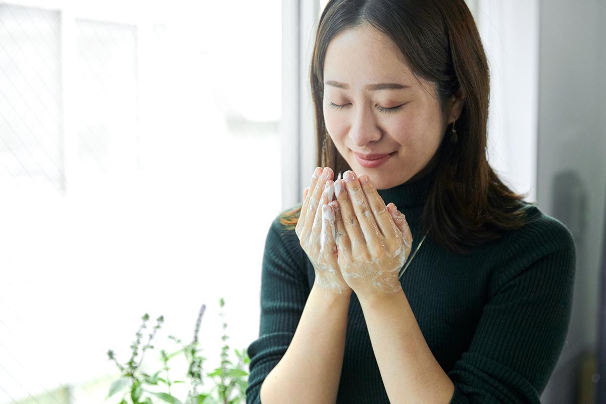 薬に頼らない「機能性医学」の第一人者、斎藤糧三先生が監修した、オーガニックの保湿成分入りだから、手を洗いながら、肌が潤うバンドソープ(液体石鹸)|tet. hand soap REFRESH(テト ハンドソープ リフレッシュ)