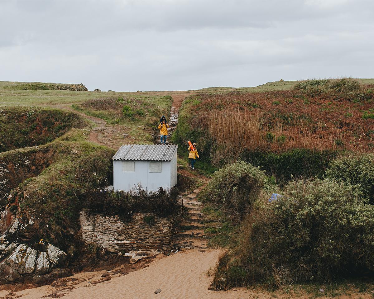 イメージは、「自力で持ち運べる、島の小屋」。まるで、秘密基地みたいで、大人も子どももワクワクする「帆布テント」|LA TENTE ISLAISE(ラ・タント・イレーズ)
