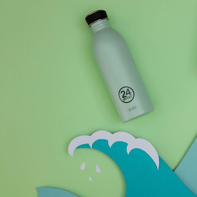 海や大気中のマイクロプラスチック問題の解決の一つ。エコでサスティナブルな、毎日持ち歩きたくなる、色柄豊富なイタリアンデザインのマイボトル|24Bottles(トゥエンティーフォーボトルズ)