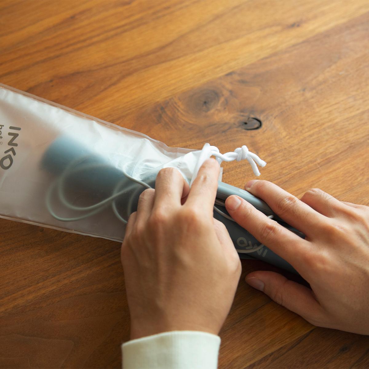 モバイルバッテリーでどこへでも防寒対策・冷え対策・温活。オフィス・旅行・アウトドアに!開発に10年かけた、インクで安全発熱するシート型ヒーター「USB式温熱マット」|INKO(インコ)