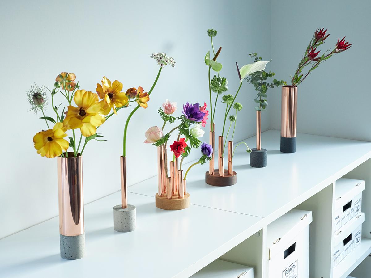 「植物のある生活」へのハードルもぐっと下がる初心者にも優しい花器。無造作に挿すだけで「絵」になる、銅管の一輪挿し・花瓶・フラワーベース|BULBOUS