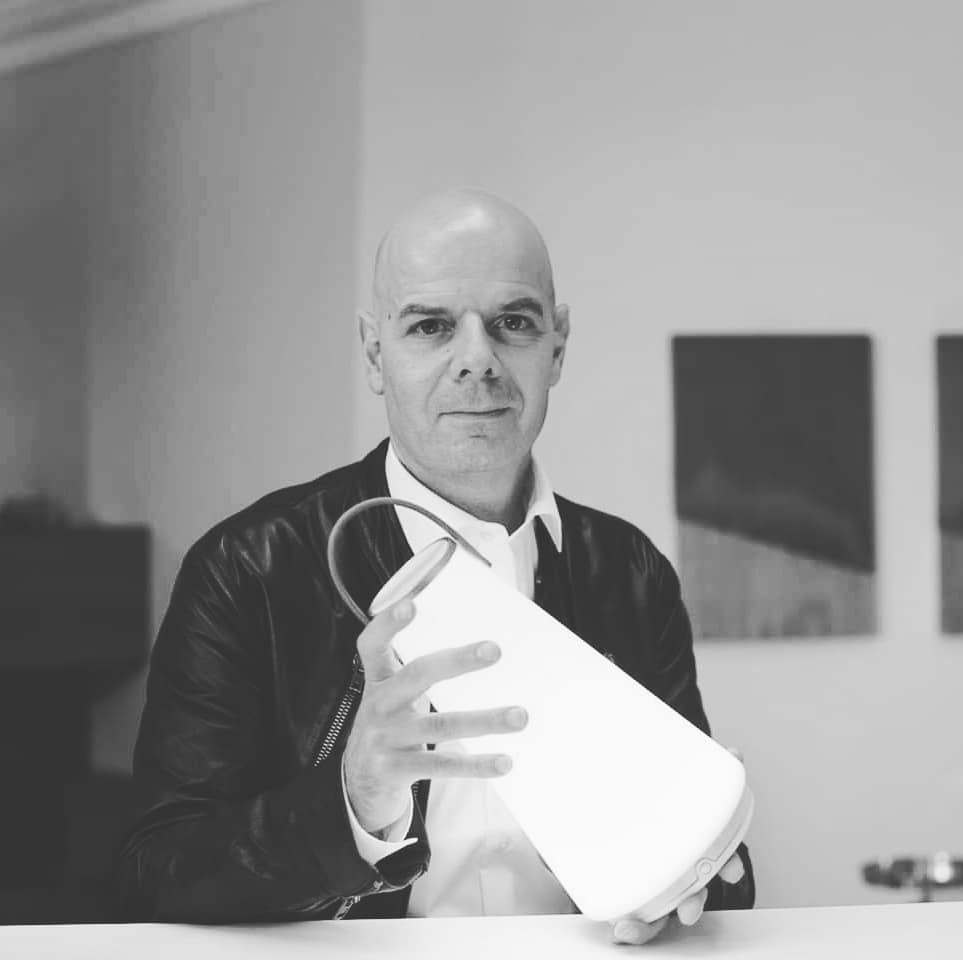 デザイナーのひとりであるパブロ・パルド|「音」と「光」の調和するワイヤレスHi-Fiスピーカー|Pablo UMA MINI