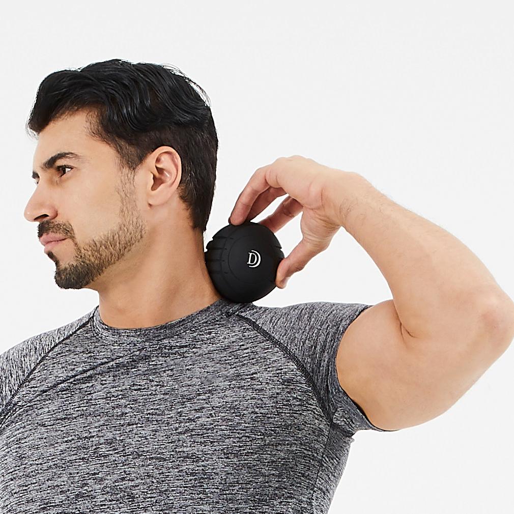 筋肉を、深く狭く、揺さぶって、滞りがちな血行も刺激するストレッチボール Dr.Air 3Dコンディショニングボール
