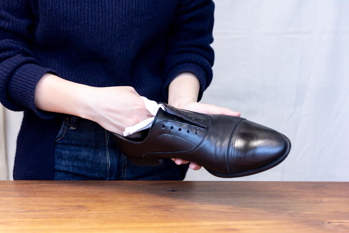 無理しない靴のスキンケア方法(お手入れ方法)7。プレミアム靴クリーム| 三陽山長