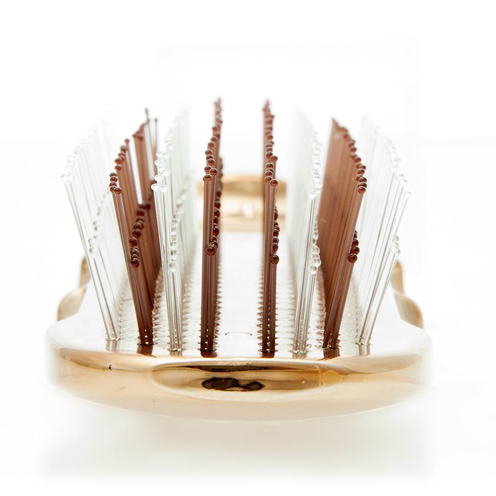 頭皮や髪を傷めにくいつくりで、なんとも心地よい刺激。スカルプブラシ(育毛ブラシ)|SCALP BRUSH(スカルプブラシ)
